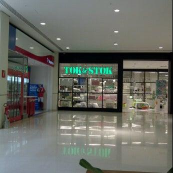 Photo taken at Tok&Stok by Fernando P. on 1/14/2012