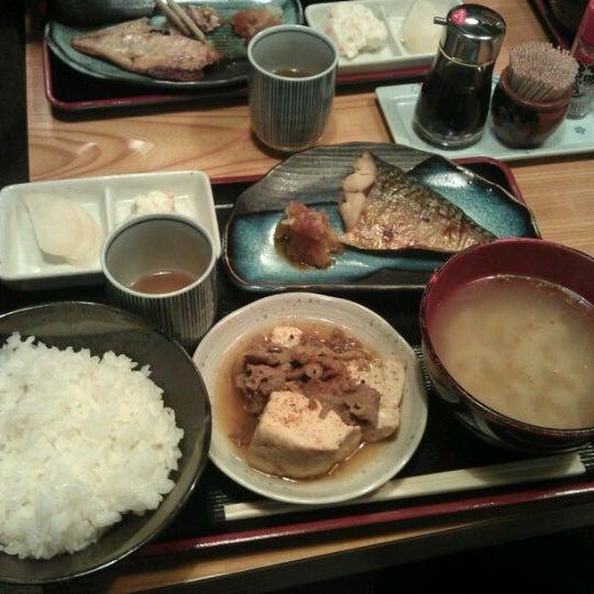 Photo taken at 上総屋 by ykarasu on 11/29/2011