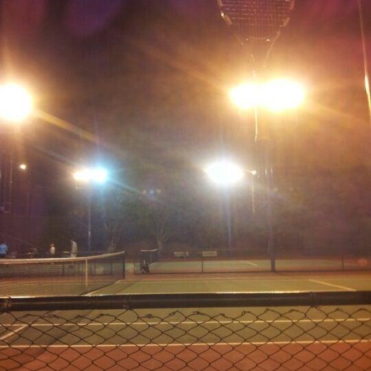 Foto tirada no(a) Clube Telecamp por Willian d. em 7/24/2012