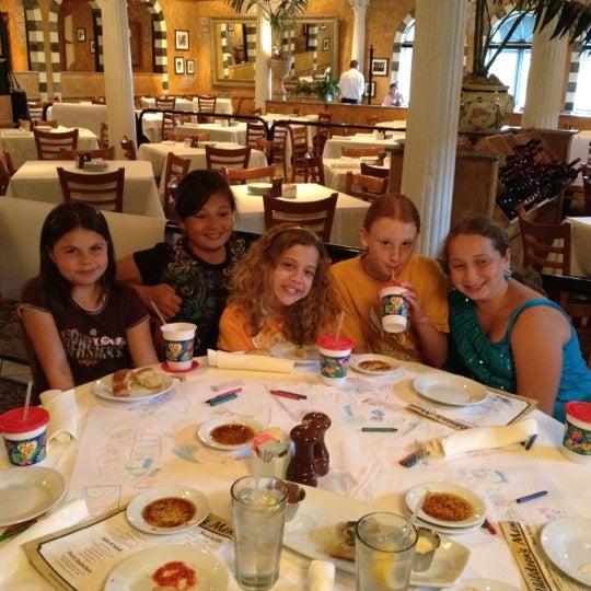 Das Foto wurde bei BRAVO! Cucina Italiana von Cristie B. am 5/19/2012 aufgenommen