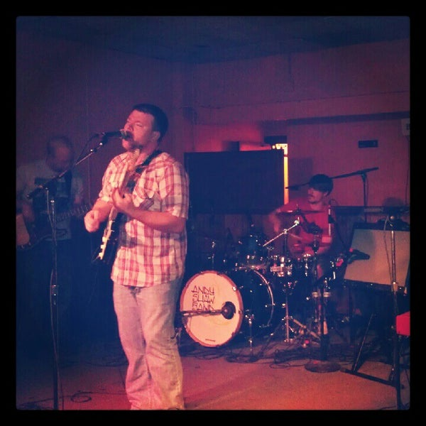 Photo taken at The Beachland Ballroom & Tavern by JM B. on 6/15/2012