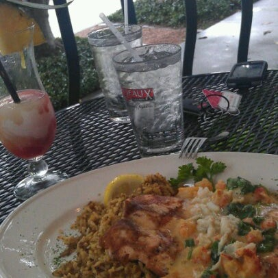 Photo taken at Pappadeaux Seafood Kitchen by Lisa A. on 8/5/2012