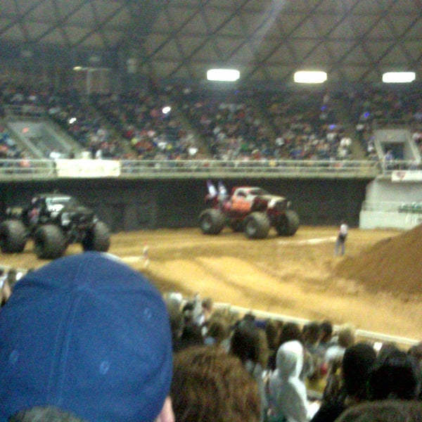 Photo taken at Bell County Expo Center by doug L. on 1/21/2012
