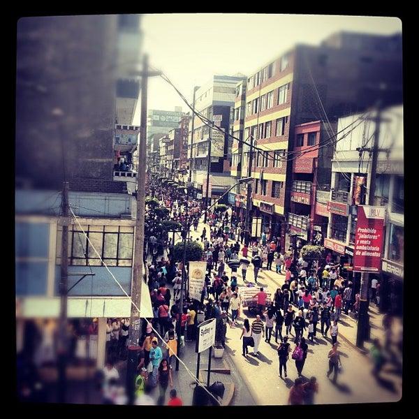 Foto tomada en Gamarra por Mario G. el 6/2/2012