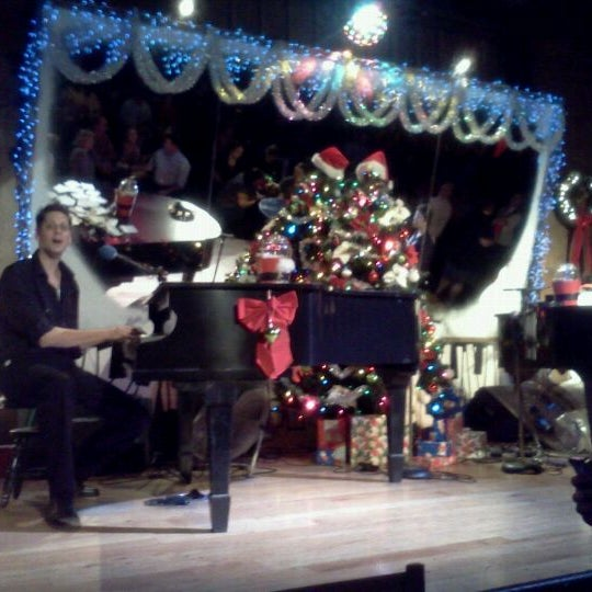 Photo taken at Jellyrolls by Randy C. on 12/9/2011