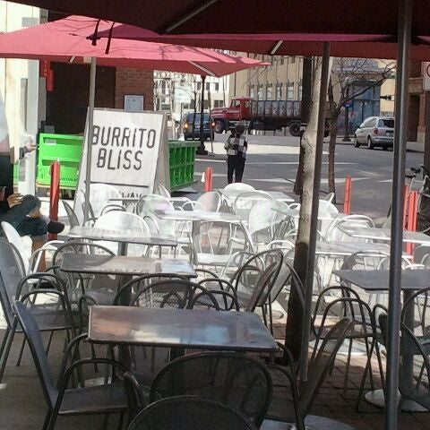 Photo taken at Chipotle Mexican Grill by D'Juan A. on 3/29/2012