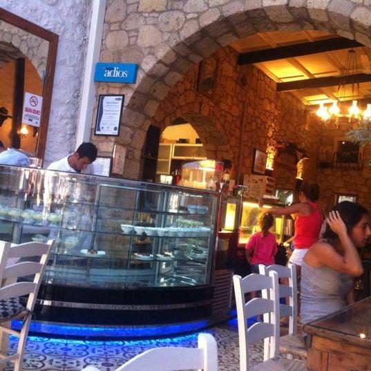 8/30/2012 tarihinde Baybars T. Y.ziyaretçi tarafından İmren Han'de çekilen fotoğraf