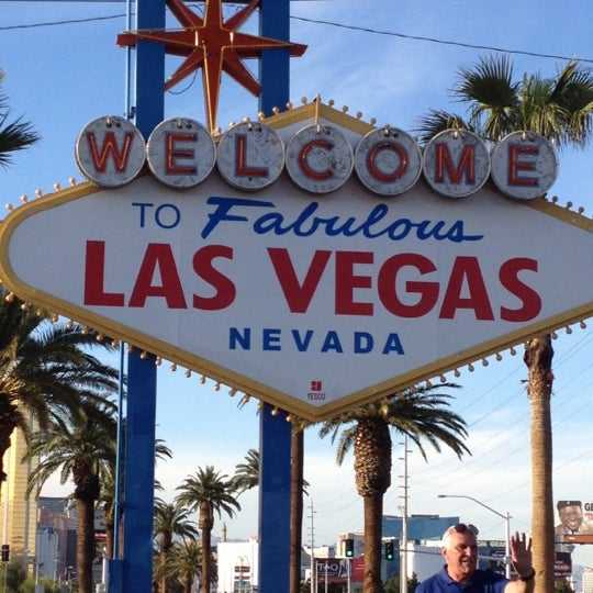 Photo taken at Welcome To Fabulous Las Vegas Sign by Jennifer on 4/4/2012
