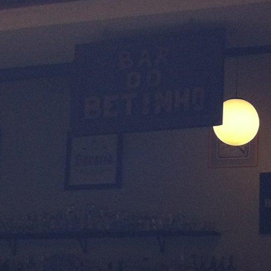 Foto tirada no(a) Bar do Betinho por Henrique O. em 12/9/2011