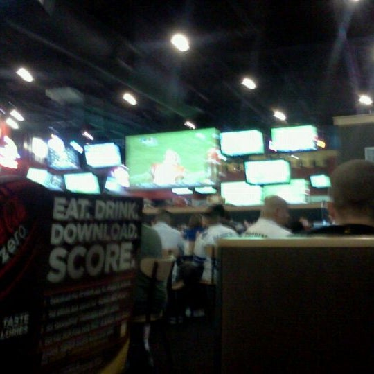 Photo taken at Buffalo Wild Wings by Ern G. on 9/18/2011