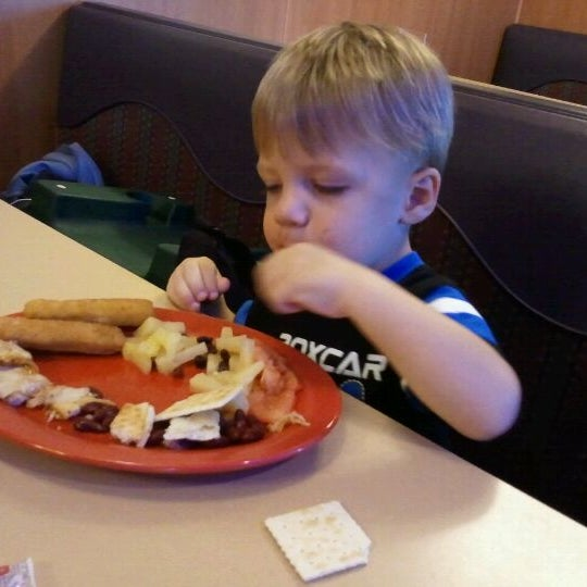 Photo taken at Stonefire Pizza Company by Lisa L. on 9/22/2011