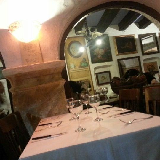 Foto tomada en Donde Olano Restaurante por Lizandro R. el 9/5/2012