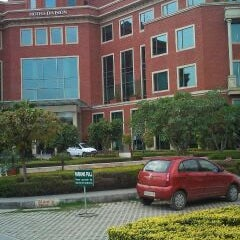 Photo taken at ITC Green Center by Srihari R. on 3/4/2011