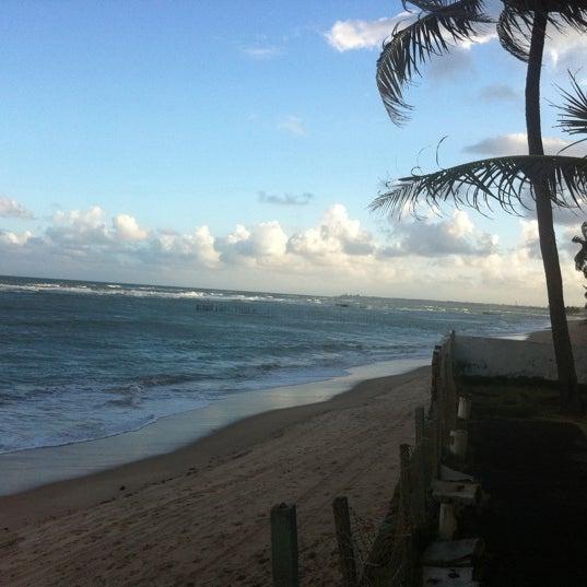 Foto tirada no(a) Praia da Garça Torta por Priscila P. em 9/18/2011