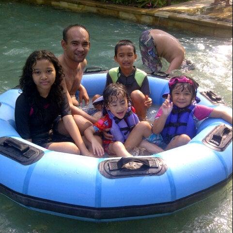 Photo taken at Waterbom Jakarta by \̽▴̲̊̽▴̲̊̽̽▴̲̊̽/̽ Sĩƞ†α ßeặuτ¡fûl| \̽▴̲̊̽▴̲̊̽̽▴̲̊̽/̽ on 8/21/2012