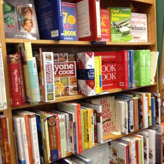Photo taken at Changing Hands Bookstore by Tania A. on 4/22/2012
