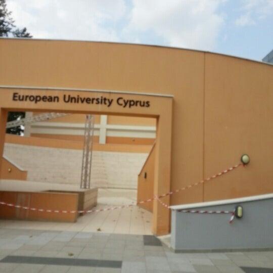 รูปภาพถ่ายที่ European University Cyprus โดย Michael C.G. C. เมื่อ 7/21/2012