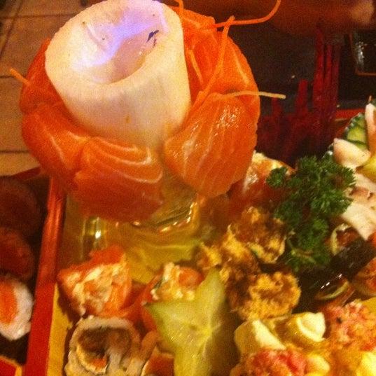 Foto tirada no(a) Hachi Japonese Food por Thomaz em 7/17/2012