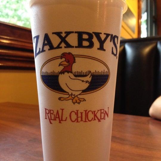 Photo taken at Zaxby's Chicken Fingers & Buffalo Wings by Emma on 7/15/2012
