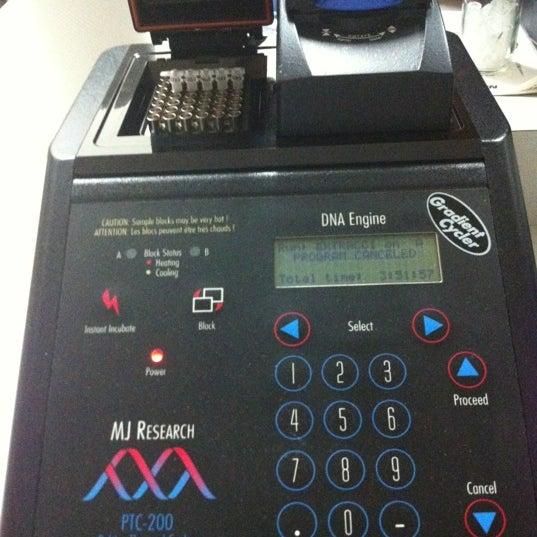 Foto tomada en Laboratorio Biotecnologia TEC por Marco M. el 4/13/2012