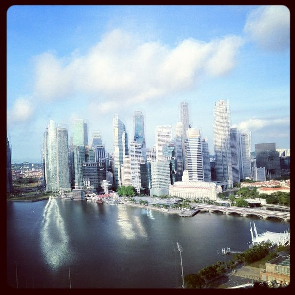 Photo taken at The Ritz-Carlton, Millenia Singapore by Mike D. on 4/18/2012