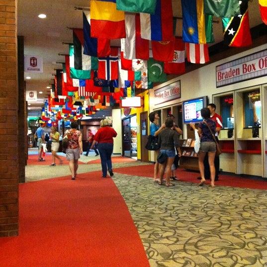 Foto diambil di Bone Student Center oleh Michael B. pada 7/8/2011