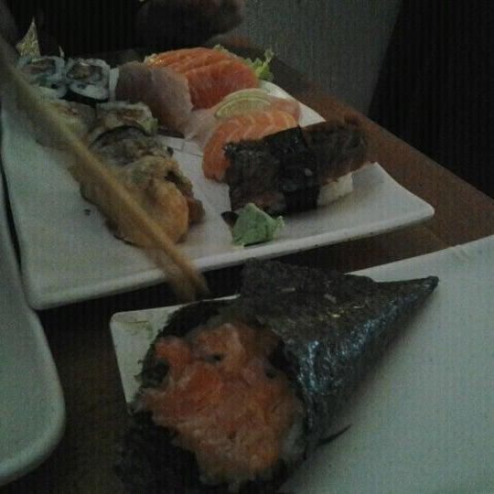 Foto tirada no(a) Sushi Koba por Derec D. em 11/22/2011