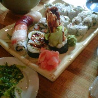 Foto scattata a Teriyaki House da Stacey Y. il 1/6/2012