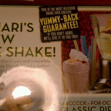 Photo taken at Shari's Restaurant by Christian T. on 10/26/2011