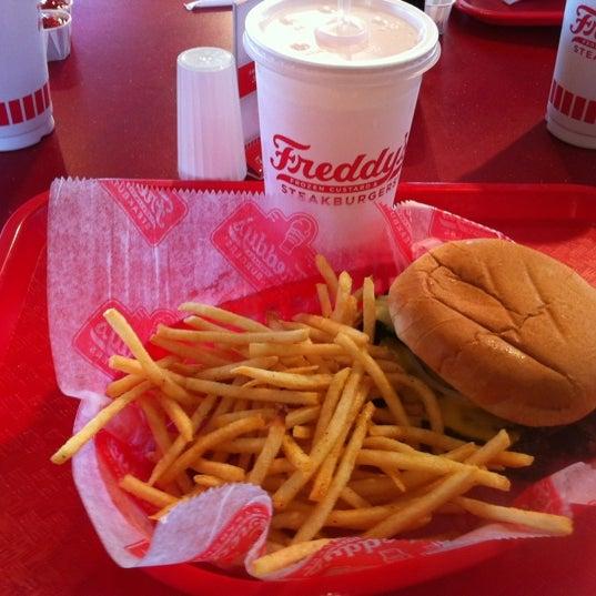 Photo taken at Freddy's Frozen Custard and Steakburgers by Matthew C. on 5/11/2012