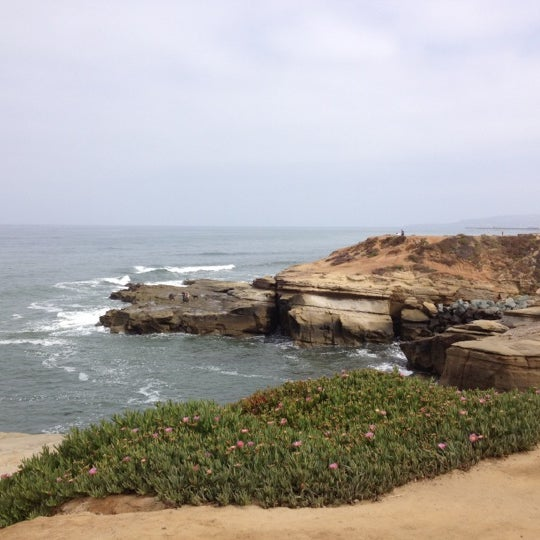 Foto tirada no(a) Sunset Cliffs Natural Park por Kathleen D. em 5/19/2012