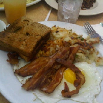 Photo taken at Bull's Head Diner by Angel M. on 10/2/2011