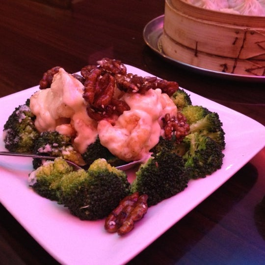 Photo taken at Shanghai Café Deluxe by ShihChi W. on 1/16/2012