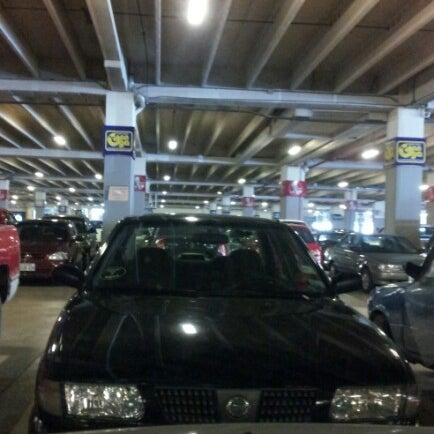 Foto tirada no(a) Mall del Sur por Franklin R. em 9/2/2012