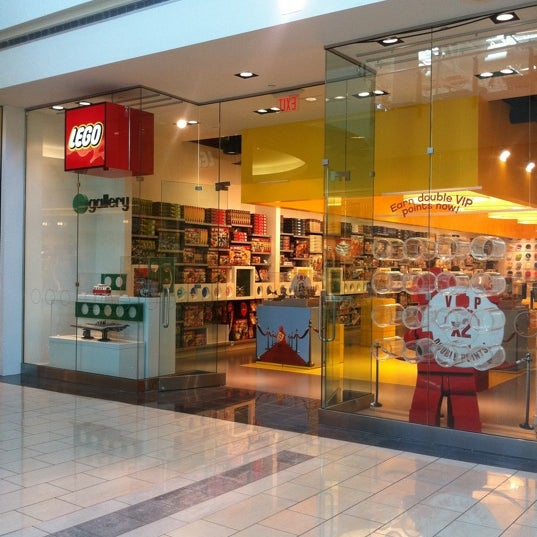 The LEGO Store - 11 tips from 1083 visitors