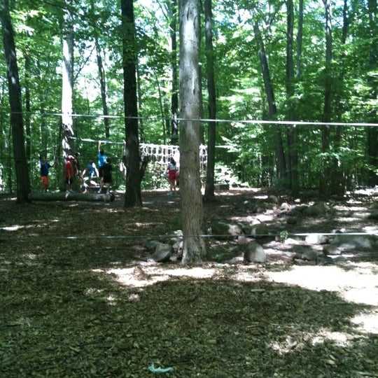 how to build a low ropes course