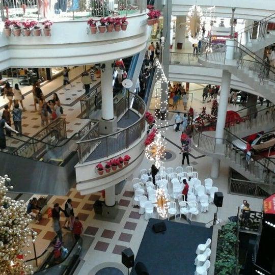 Foto tirada no(a) Shopping Del Paseo por Tales P. em 12/19/2011