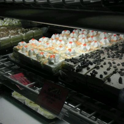 11/7/2011 tarihinde Dave N.ziyaretçi tarafından Argentina Bakery'de çekilen fotoğraf