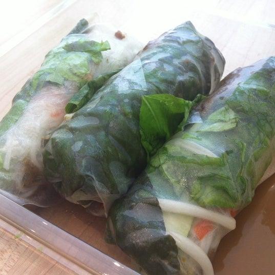 Photo taken at Freshroll Vietnamese Rolls & Bowls by Zaz H. on 7/24/2012