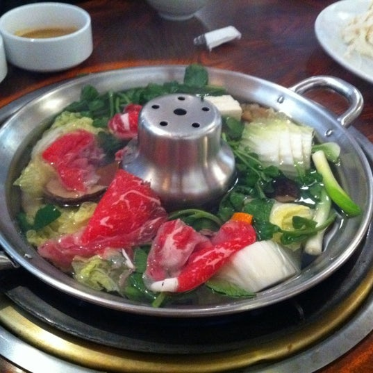 Photo taken at Shabu-Tatsu by Minsun Mini K. on 3/4/2012