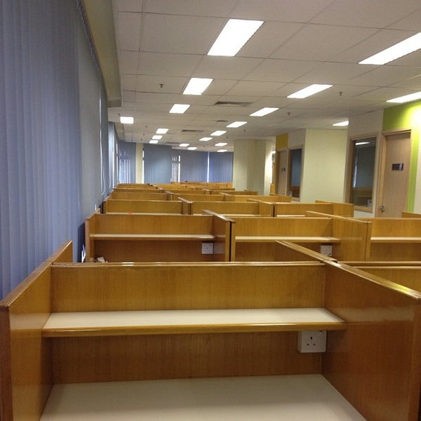 Photo taken at Lien Ying Chow Library 连瀛洲图书馆 by Koktiam 사. on 8/24/2012
