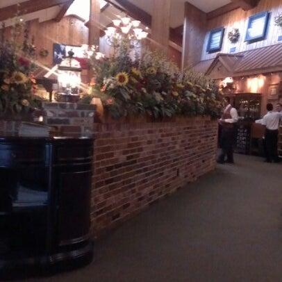 Foto tomada en Taste of Texas por Lindsay C. el 8/26/2012