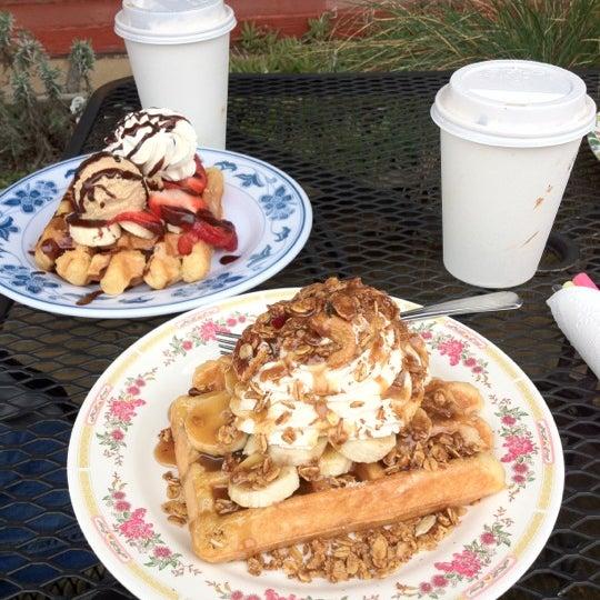 Foto tirada no(a) The Waffle Window por Julia A. em 3/31/2012