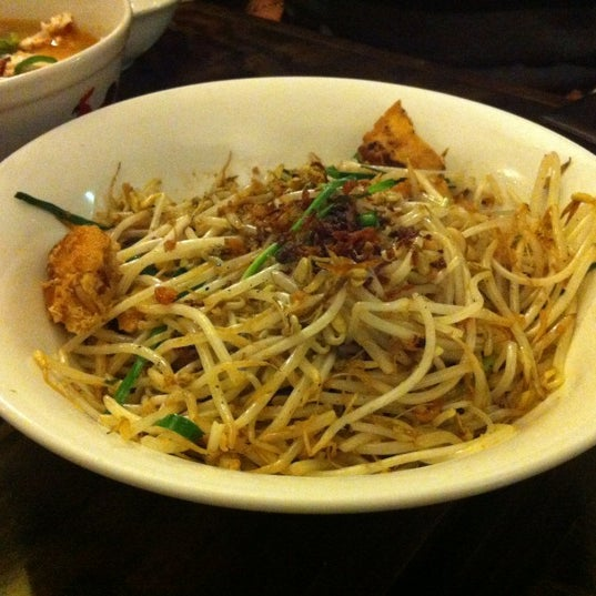 Photo taken at Jackie M Malaysian Cuisine by Neil L. on 8/17/2012