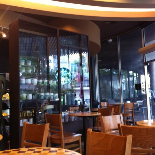 Photo taken at Starbucks by Metawee T. on 5/17/2012