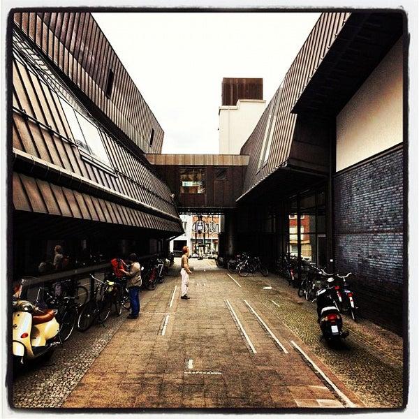 Das Foto wurde bei Stadtbücherei Münster von Olaf T. am 7/22/2012 aufgenommen