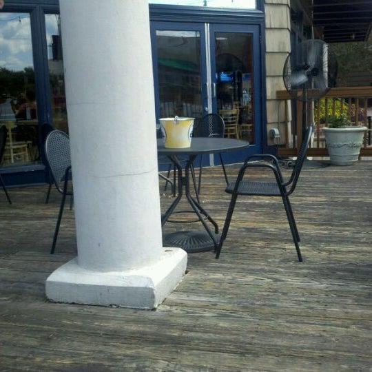 Photo taken at Boardwalk Billy's Raw Bar & Ribs by @dukebluedevildb on 9/10/2011