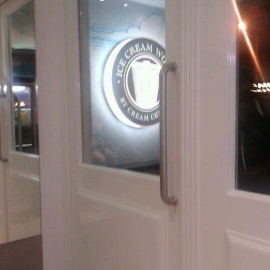 Photo taken at Ice Cream Works by DitaVie on 2/24/2012