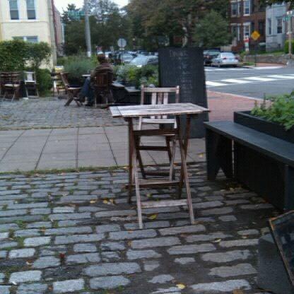 Foto tirada no(a) Big Bear Cafe por Melody W. em 10/2/2011