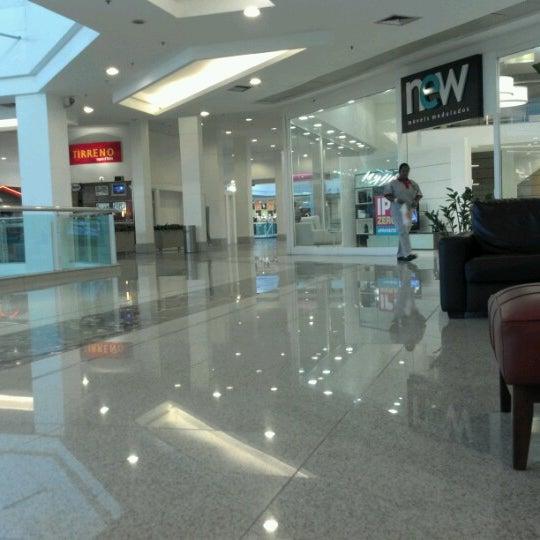 Foto tirada no(a) Via Parque Shopping por Diogo G. em 7/6/2012